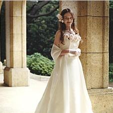姉妹店ブランシュ・ネージュのドレスを特別割引